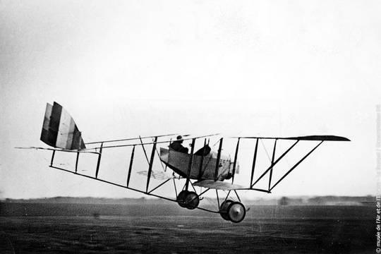 Loại máy bay Caudron G-3 trong Đại chiến thứ nhất, do Đỗ Hữu Vị lái. Nguồn: Internet