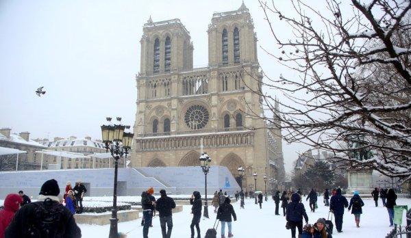 Photo: Paris ngày tuyết rơi 20.01.2013 - Source: Internet